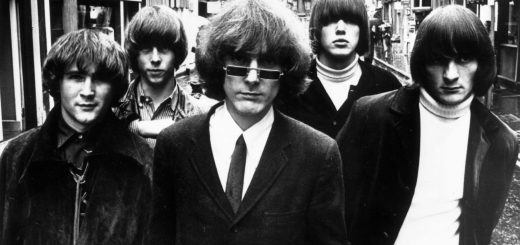 Roger McGuinn sporting Pat Boone sunglasses with the Byrds, circa 1965